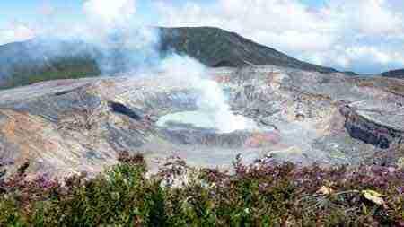 mit der Familie am Vulkan Poas