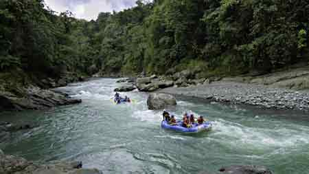 rafting Tour in Costa Rica